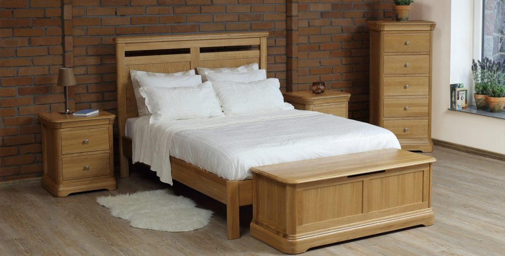 David Salmon Fairford oak bedroom collection.