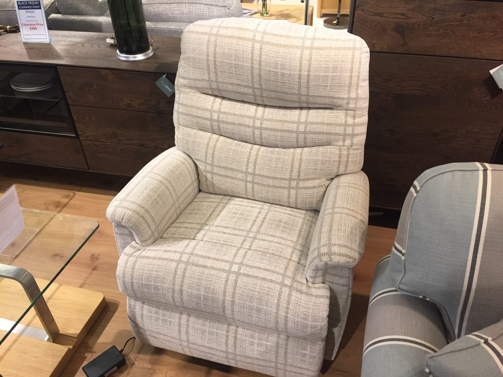 David Salmon Pembroke Grande Lift & Rise Chair