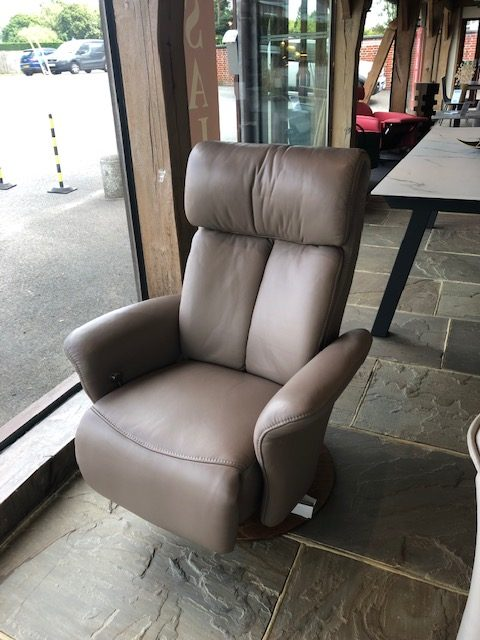 David Salmon Sinatra recliner chair by Himolla