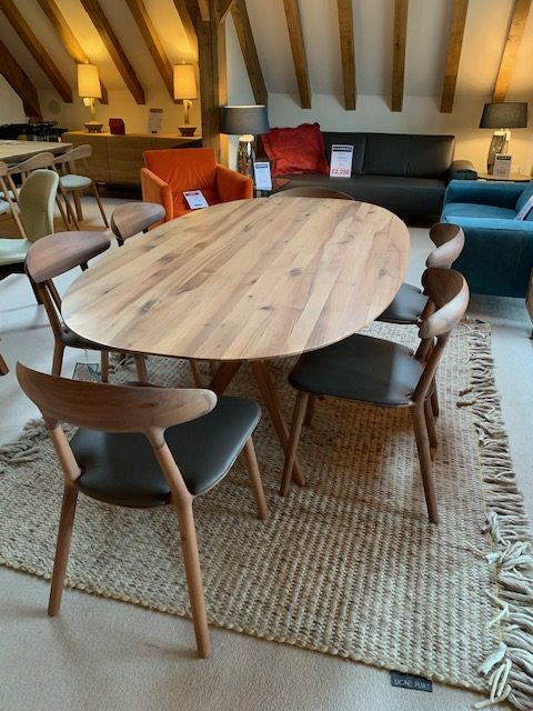 David Salmon Lakri Oval dining table and 6 chairs