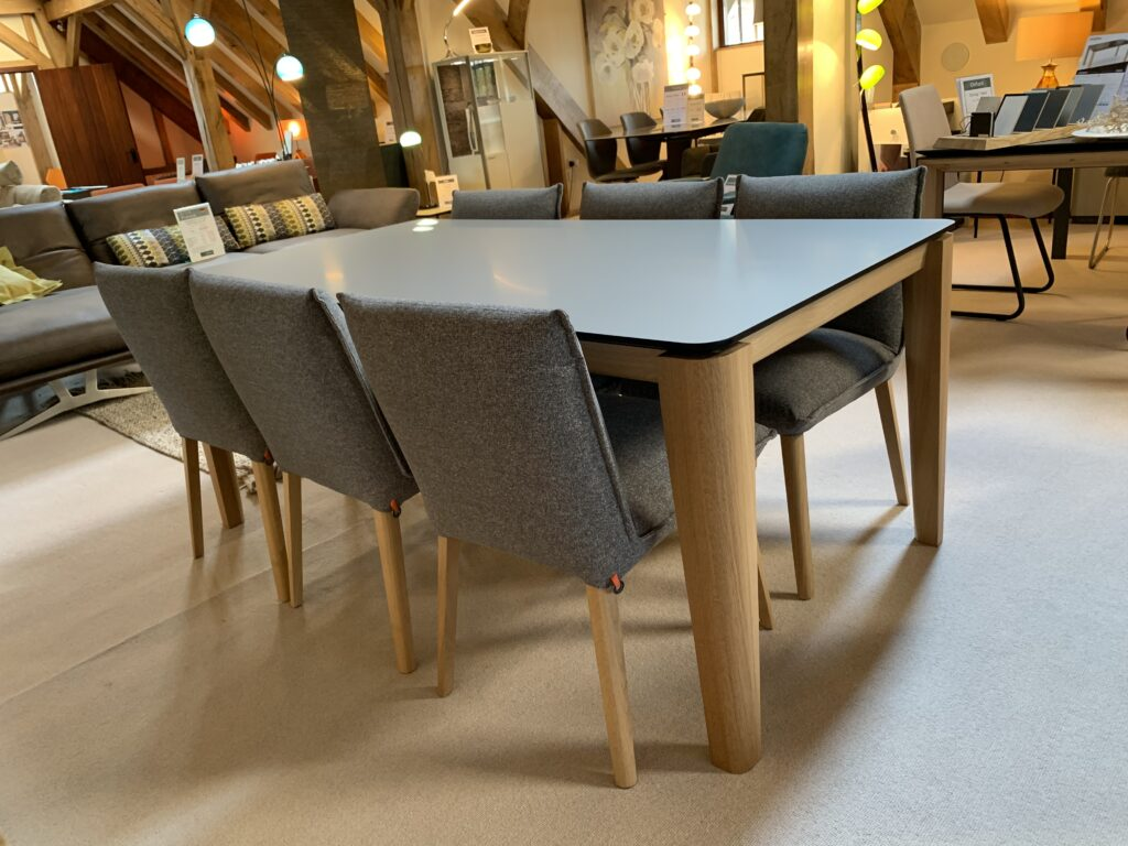 David Salmon Oxford Extending Table & 6 Soft Chairs