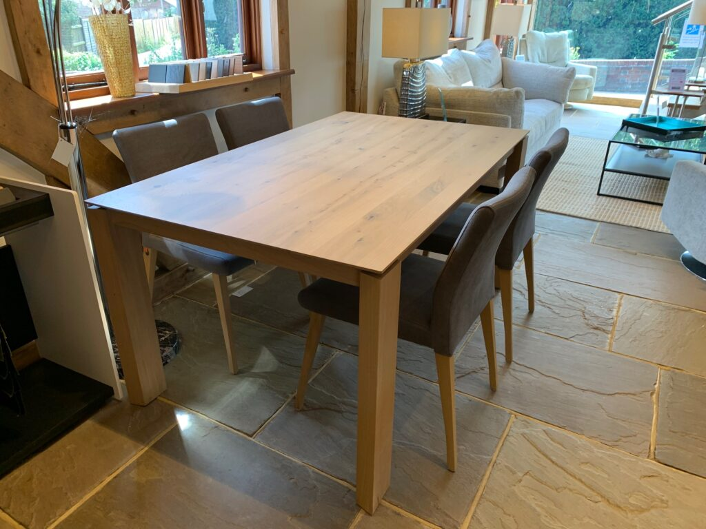 David Salmon Oxford Table & 4 Cosy Chairs